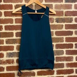Lucy workout tank top size small
